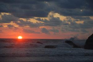 playa ventanas sunset left side